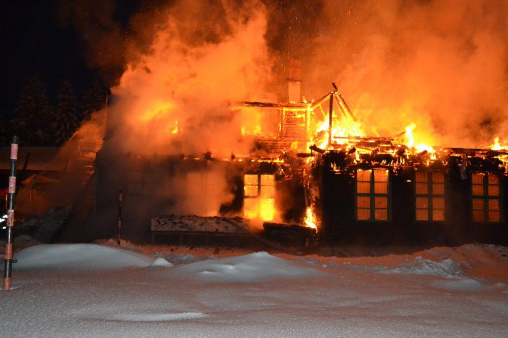 incendiu-scoala-comandau-ianuarie-2017-foto-isu-covasna-02